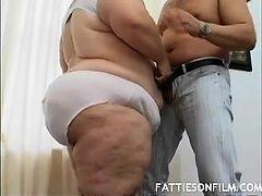 Толстуха с большой задницей в любительком порно
