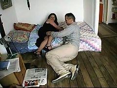 Эмма обманывает своего мужа