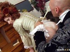 Рыжая дама викторианской эпохи изменяет своему мужу с придворным